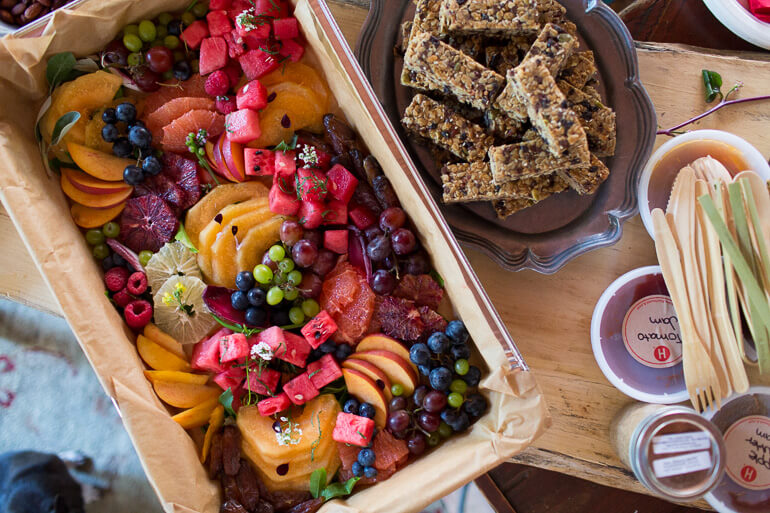 fruit-platter-granola-bars