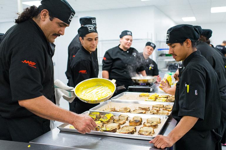 la-kitchen-students-tartines-kitchen