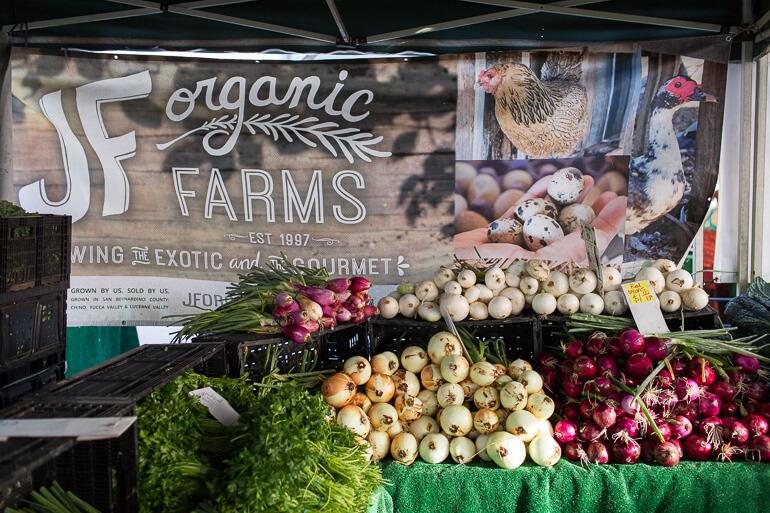 jf-organics-onions-market