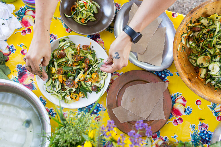 raw-zucchini-pasta-garden-plate
