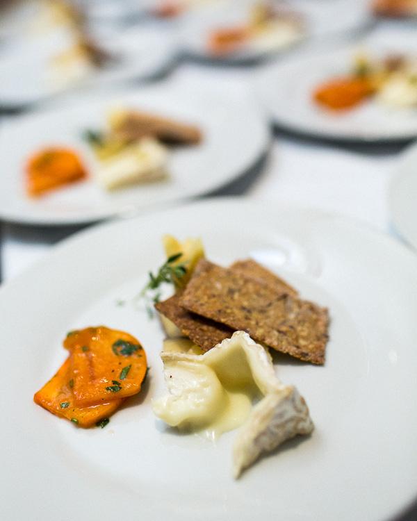 cheese-plate-persimmon-honey