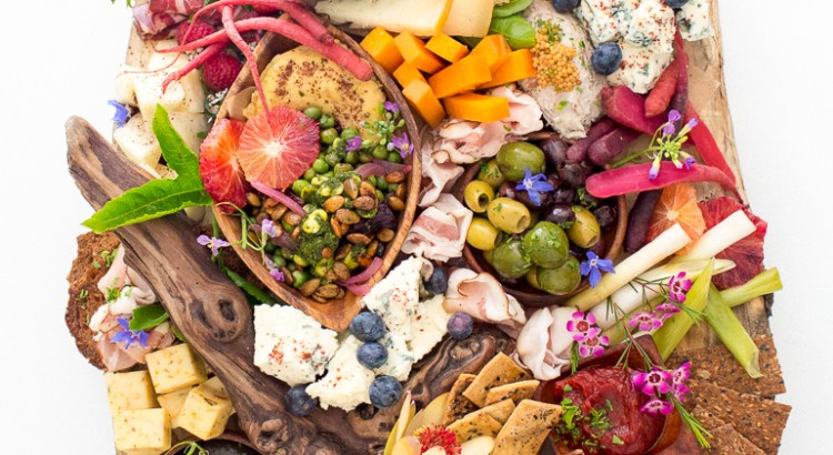 catering-heirloom-la-crostini-station-snacks