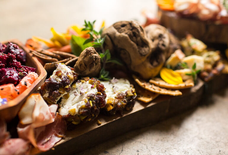 crostini-station-heirloom-la-catering-los-angeles-goat-cheese