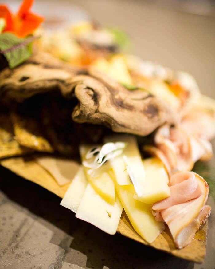 crostini-station-heirloom-la-catering-los-angeles-buffet