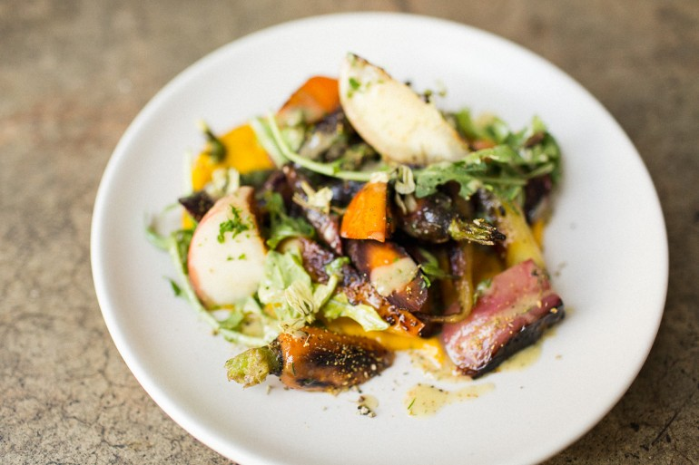 catering-kcrwgoodfood-heriloom-la-nectarines-carrots-salad
