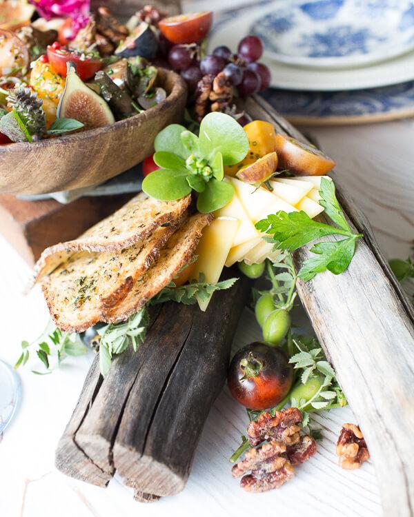 edible-centerpiece-decorative-table-art-snacks