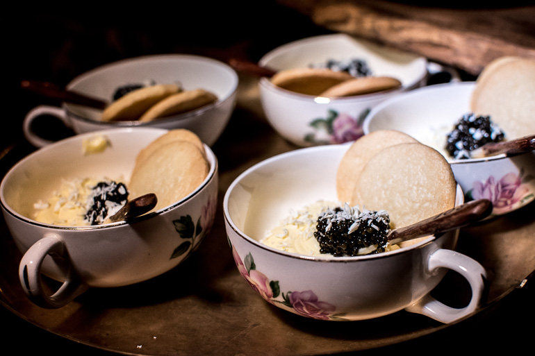 dessert-cup-caviar-white-chocolate-catering-hollywood